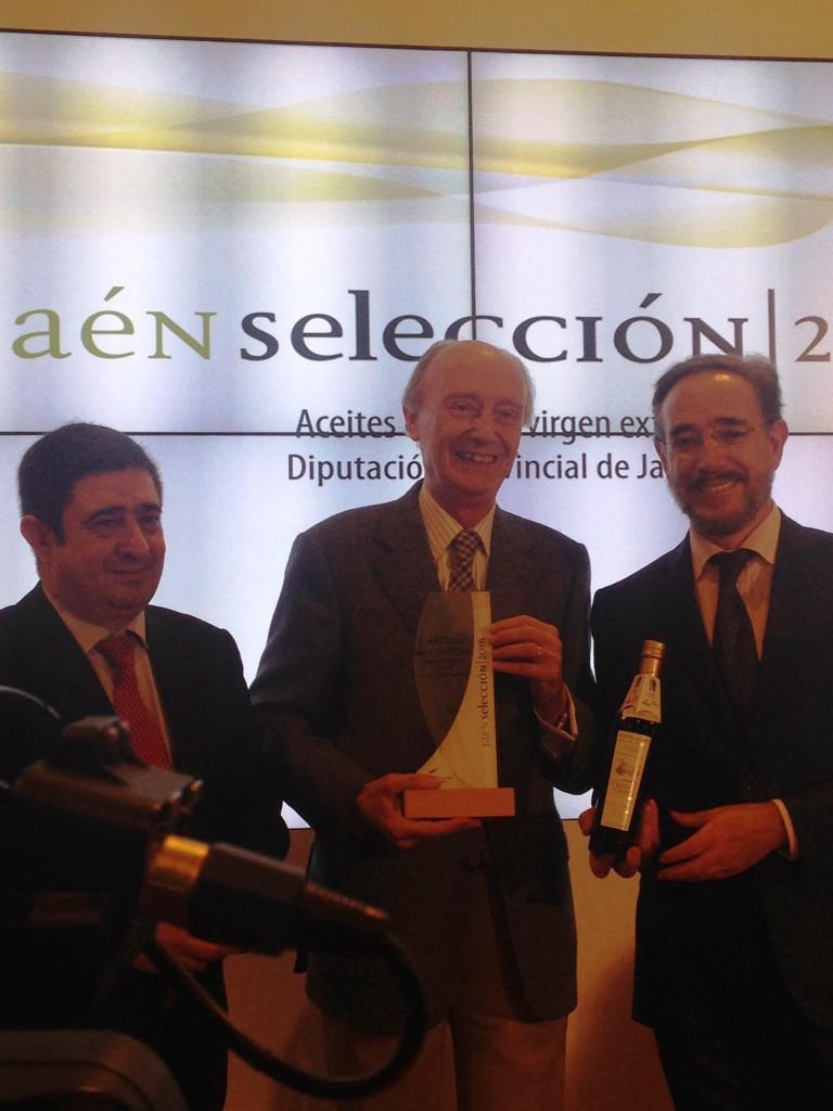 Don Luis Vañó junto al presidente de Diputación de Jaén & el delegado de Turismo
