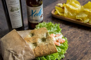 Cerveza_artesana_Xela_bocadillo_langostinos_Castillo_de_Canena