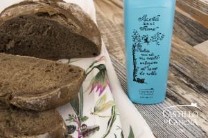 Maca_Bread_Smoked_Olive_Oil_Castillo_de_Canena